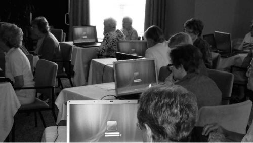 Study participants logging onto their computers, which are running the Windows Vista operating system
